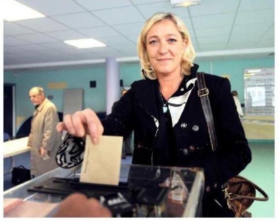 Monsieur Ayrault préfère les étrangers à 20% des Français ! dans Critique 25621_102950103071289_100000688984144_81708_3604060_n1