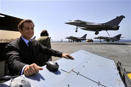 Contrat indien : Le Rafale dans un trou d'air ?  dans économie Sarkozy-Rafale-Lavex1
