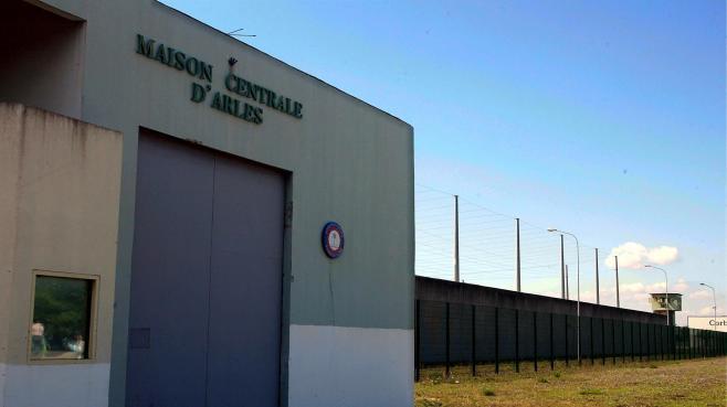 Arles : la tension monte encore à la prison dans Critique 2126662