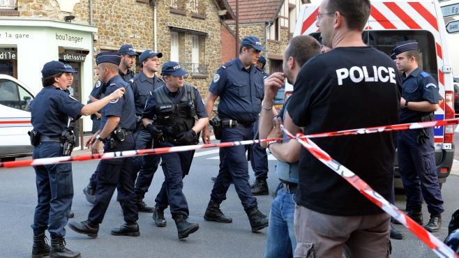 Catastrophe ferroviaire à Bretigny : des scènes de vol et de caillassage ont bien eu lieu dans Critique 2269324