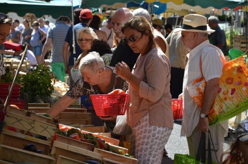 Les Marchés de Provence (Tarascon) dans culture marche-031