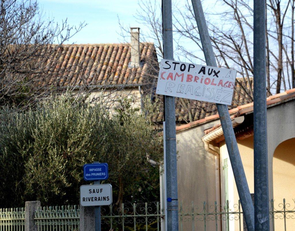 Dans le quartier de Châteaugaillard à Tarascon (13), des riverains exaspérés par les cambriolages interpellent les pouvoirs publics....
