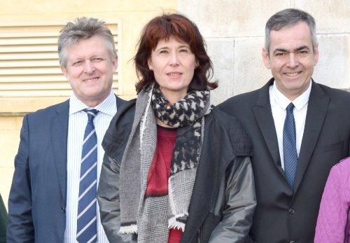 Philippe Loiseau en compagnie de Valérie et Frédéric Laupies au marché du MIN de Châteaurenard