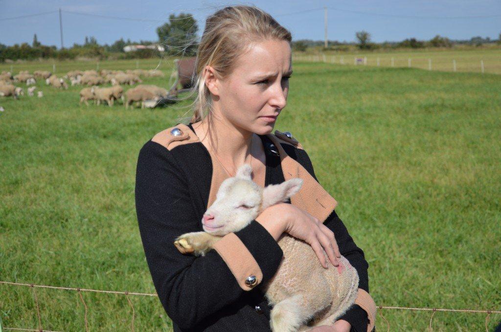 Marion Maréchal Le Pen avec les éleveurs ovin de la Crau (09/10/2015)