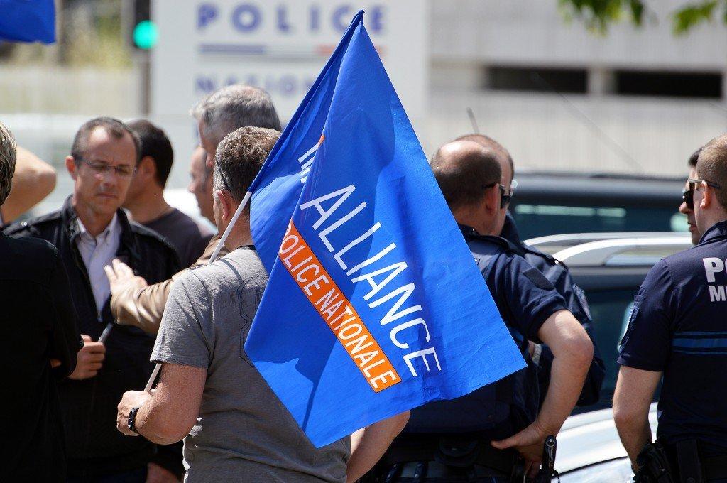 Policiers manifestation Nîmes